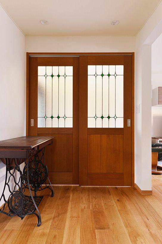 リフォーム リノベーションの事例 ステンドグラス引き戸 施工事例no 579夫婦2人 これからの暮らしを楽しむ家 スタイル工房 家 引き戸 リビング 室内ドア