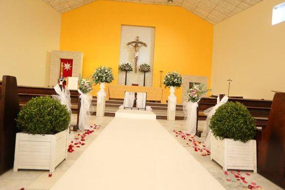 Uma decoração simples, porém cheia de harmonia e sofisticação!!