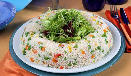 Corona de arroz con verduras y hortalizas