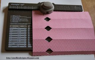 Omellie's Designs: Anleitung Knallbonbon mit dem Envelope Punch Board. Not in English but you can get the idea.