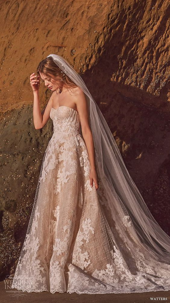 """First Look: Watters Spring 2019 Wedding Dresses — """"The Sun Was Shining on the Sea"""" Bridal Collection"""