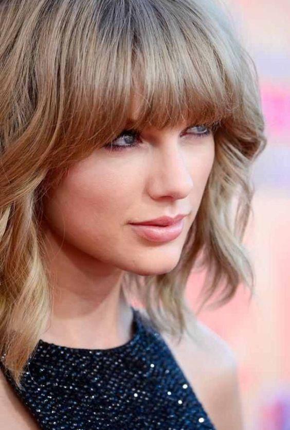 Taylor Swift at the iHeart Radio Awards
