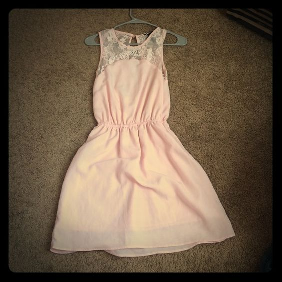 Baby pink flowy dress HM baby pink dress H&M Dresses Backless