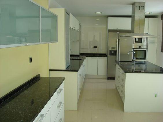 Dise o de cocinas dise o de cocinas en getafe madrid - Encimera granito blanco ...