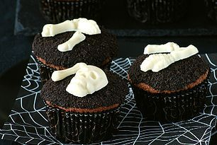 Cupcakes de chocolate terroríficos. Receta de Halloween