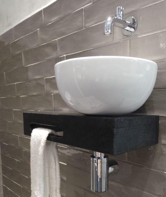 Welsan fontein, uniek met zijn plateau van natuursteen en ronde waskom Met e # Cielo Wasbak_004145