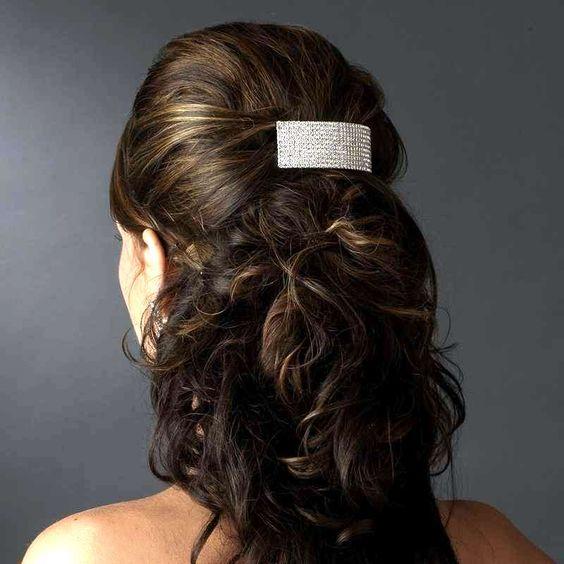 Bijou de cheveux barrette 8 rangées de strass en cristal qui sera un accessoire de luxe dans votre coiffure de mariée.