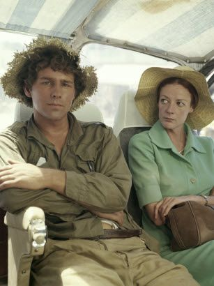 """Maggie Smith and Timothy Bottoms, """"Love and Pain and The Whole Damn Thing"""", 1973"""