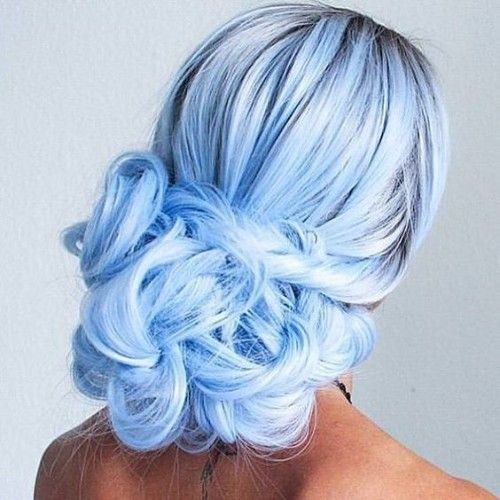Frisuren 2020 Hochzeitsfrisuren Nageldesign 2020 Kurze Frisuren Hair Styles Light Blue Hair Pretty Hair Color