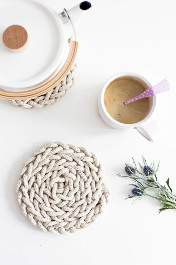 Dessous de plat à tricoter avec ses doigts