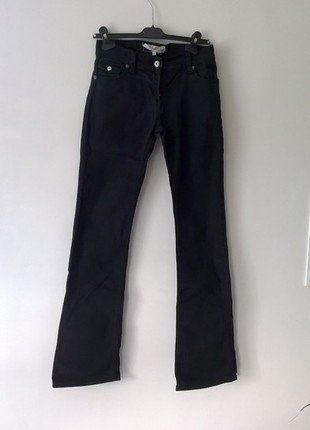 À vendre sur #vintedfrance ! http://www.vinted.fr/mode-femmes/pantalons-larges/25551341-pantalon-noir-legerement-evase-etam