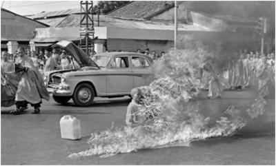 *BLOG* Hinsehen oder wegschauen? Ablichten oder helfen? Kriegsfotografie zwischen Legitimation, Rebellion und Dokumentation http://wp.me/p2jcY6-16d