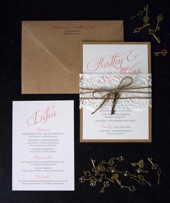 Liebe Christina, lieber René ... für diese Karten (angepasst an euer Farbkonzept) lasse ich soeben ein Angebot erstellen :)