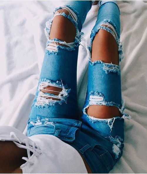 summer outfits ripped jeans white shirt