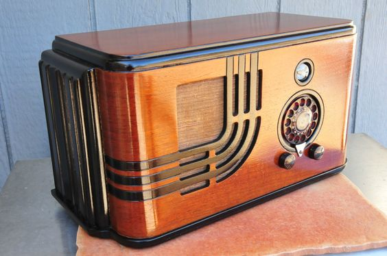 Airline Teledial 1938 Distinctive Deco Styled AM Radio Eye Tube & Re-Lacquer