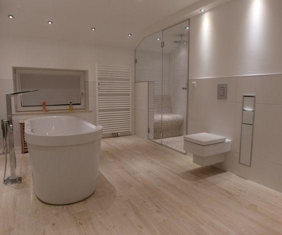 Schöne Bäder Fliesen: Cooles Badezimmer Mit Schönen Fliesen , Die Holz Imitieren