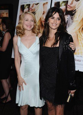 Penélope Cruz and Patricia Clarkson at event of Vicky Cristina Barcelona (2008)