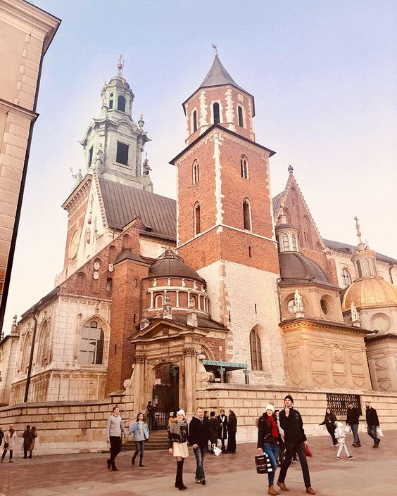 #wawelcastle #wawel #wawelroyalcastle #krakow #krakowpoland #poland #travel #photography