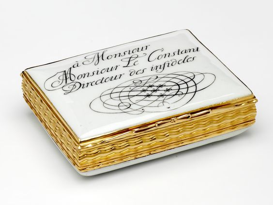 Snuffbox in the shape of a letter, addressed to 'a Monsieur / Monsieur Le Constant / Directeur des infideles', c. 1755, Meissen porcelain factory and Dresden, museum no. Loan:Gilbert.502-2008 | The Rosalinde and Arthur Gilbert Collection on loan to the Victoria and Albert Museum, London