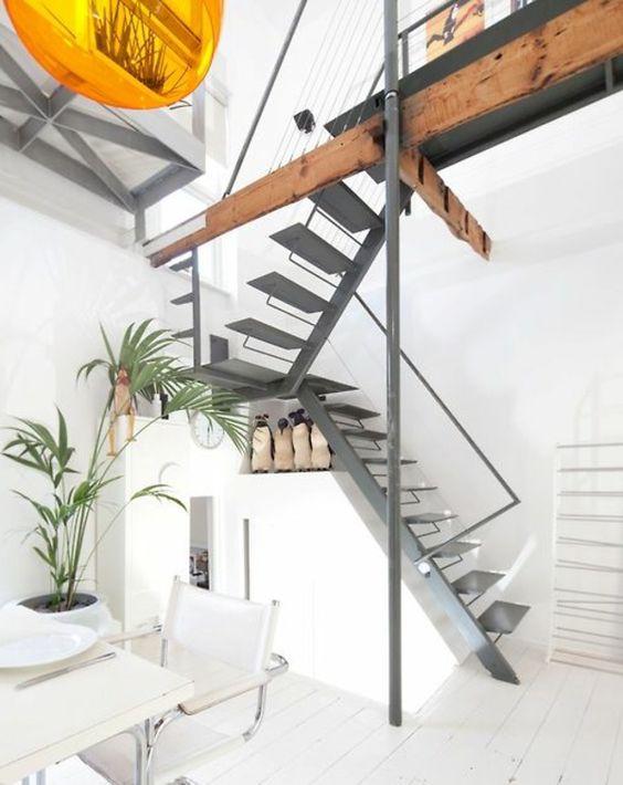Haus Design mit Wohnzimmer, Küche und Esszimmer in der unteren Ebene