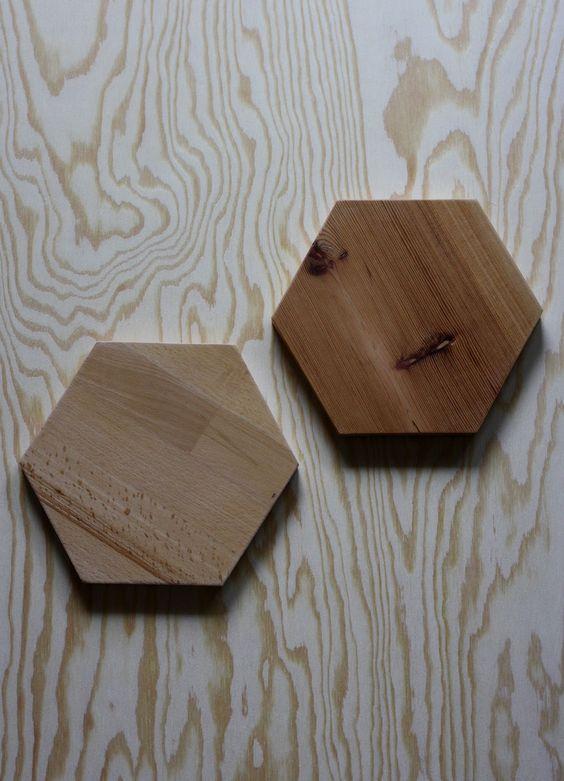HEXAGON// Topfuntersetzer// sechseckig// Birkenholz// lackiert, Lack ist Kinderspielzeug geeignet// gemacht aus Birkenholz (linkes Hexagon)