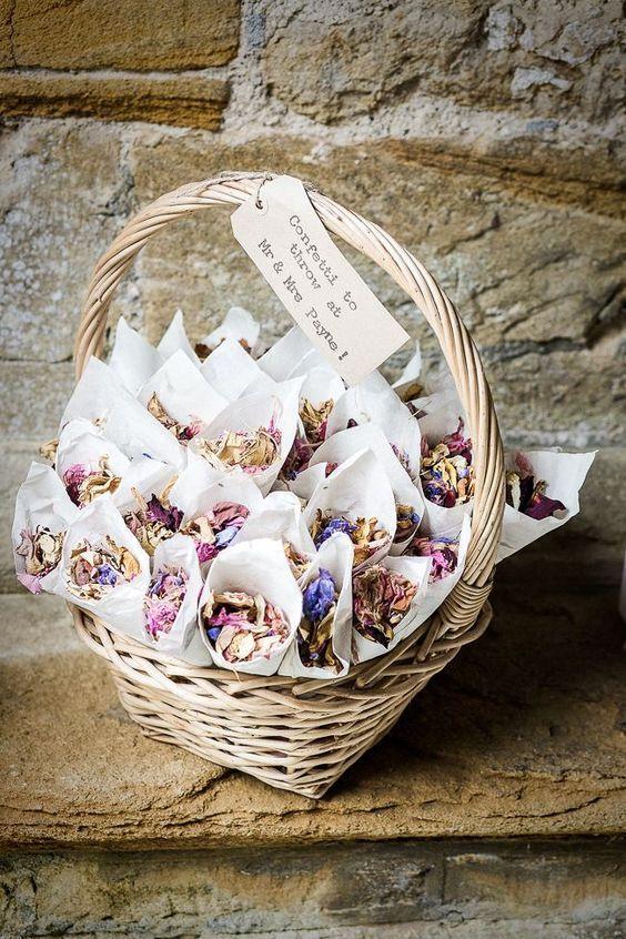 Ideas para hacer confeti natural para tu boda