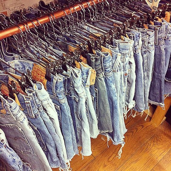 Huge delivery of vintage Levi's jut in time for festival season £14.00 a pair