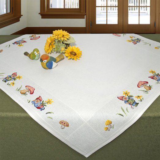 """Zauberhafte Stickpackung """" DROLLIGE GARTENZWERGE """" - Tischdecke 90 x 90 - reine 100 % Baumwolle - Kreuzstich mit Abzählmuster - zum Selbersticken und komplett zum Sofort-Loslegen - gezählter Kreuzstich - aus dem KAMACA-SHOP"""