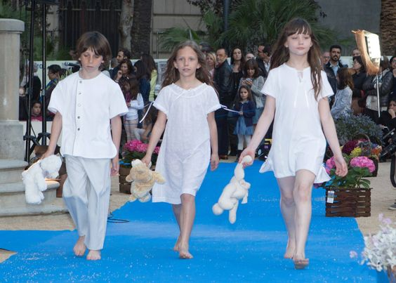 Lucia y Giselle de Sugar Kids para pasarela Petit Style Walking