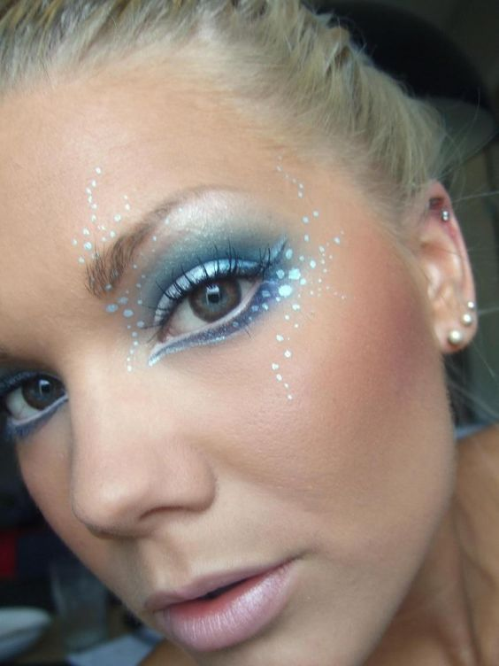 Linda Hallberg mermaid makeup?
