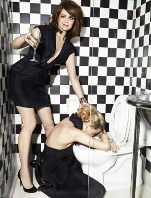 Tine Fey and Amy Poehler OMG love these ladies.. It's you and me @Kayla Barkett Barkett Redivo !!!