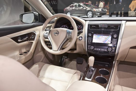 the upscale interior of the 2013 nissan altima features. Black Bedroom Furniture Sets. Home Design Ideas