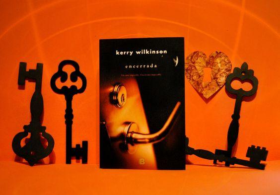 RESEÑA: ENCERRADA DE KERRY WILKINSON  Foto By Mónica
