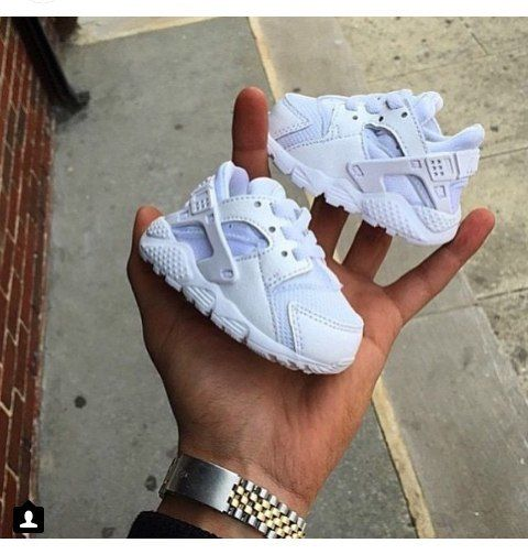 Martin Luther King Junior comedia fibra  Nike Huarache Sneakers baby, shoes, and nike | Baby sneakers, Cute baby  shoes, Cute baby clothes