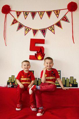 Ломаете голову над тем, как отметить день рождения своего малыша? Воспользуйтесь идеями владимирских семей! Праздник в стиле пожарных или любимых диснеевских героев порадует любого ребенка. Да и бюджет может быть самым разным.