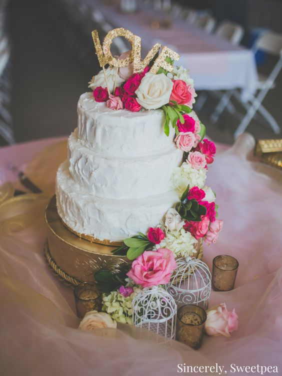 Check out this budget friendly DIY garden party wedding cake!