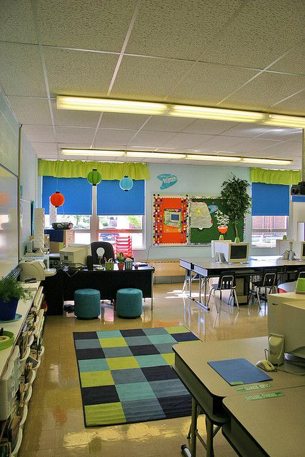 Classroom Design Inspiration : Love the stools in front of teacher desk and rug
