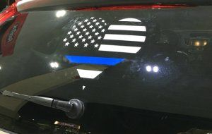 Do you support police officers & believe that blue lives matter? If so, be sure to check out this awesome freebie for a thin blue line inspired decal!