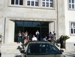 Greve dos professores leva exame para ginásio na Eça de Queirós
