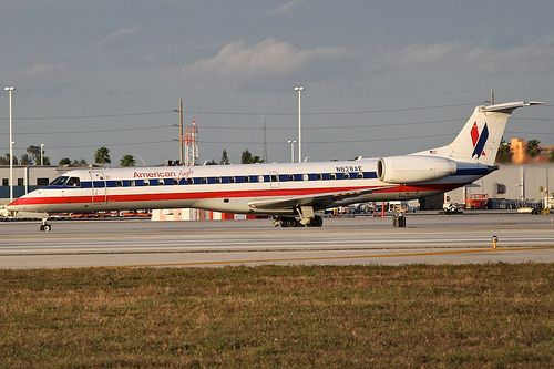 American Eagle Airlines N628AE Embraer 145 145124 MIA Miami Airport 2012