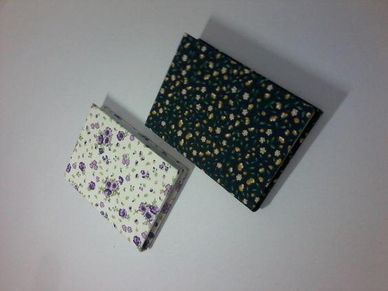 Caderno Artístico em forma de Brochura Artesanal;  Costura à mão;  Com 40 folhas;  Medida da capa 10 x 14 cm;  Ornada com fita de cetim;  Capa de Tecido personalizada. R$ 10,26