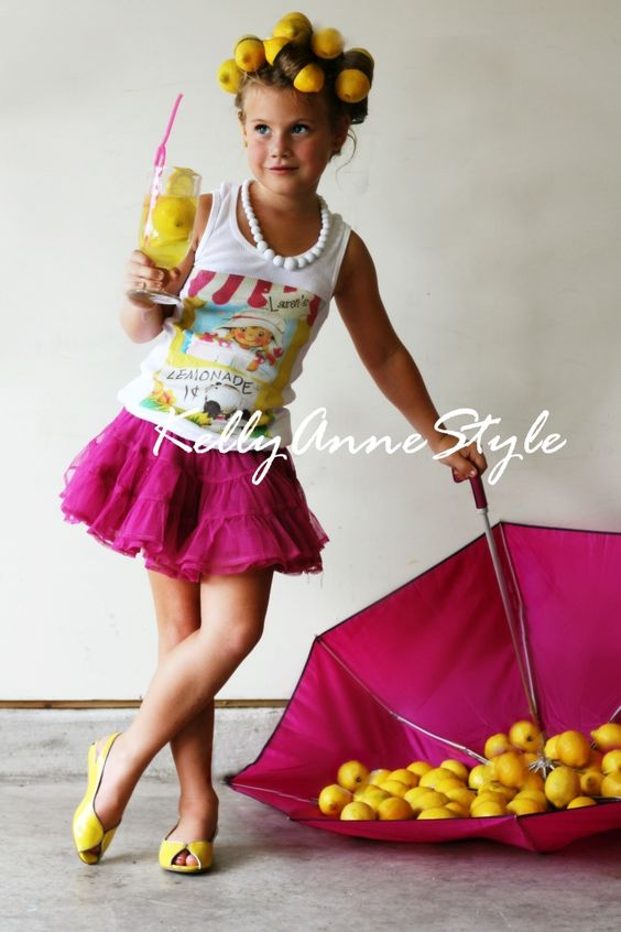 Love this When Life Gives You Lemons Idea!!!! @Kelly Cowieson did an amazing job with this shoot!!