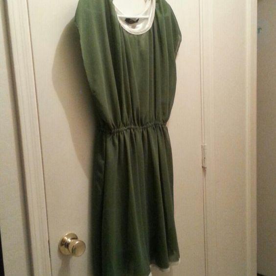 Oian mei dress Brand new Army green dress. Oian Mei Dresses Midi