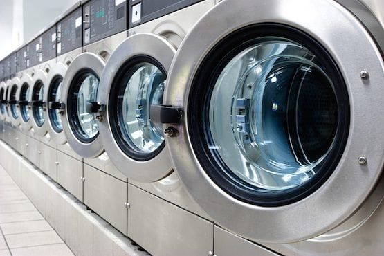 Forget The Dry Cleaner How To Wash A Down Comforter Down Comforter Industrial Washing Machines Washing Down Comforter