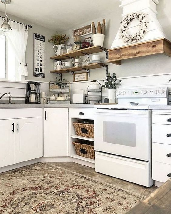 We Love The Simplicity Of This Farmhouse Kitchen And Its Stunning Neutral Decor 24 Kitchen Cabinets Decor Above Kitchen Cabinets Farmhouse Style Kitchen