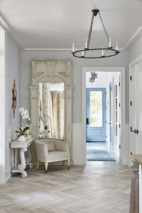 Modern farmhouse entry hall with herringbone floor in country house. #SarahRichardson #herringbone