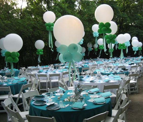 Banquet table decorations table setting ideas course for Balloon decoration course