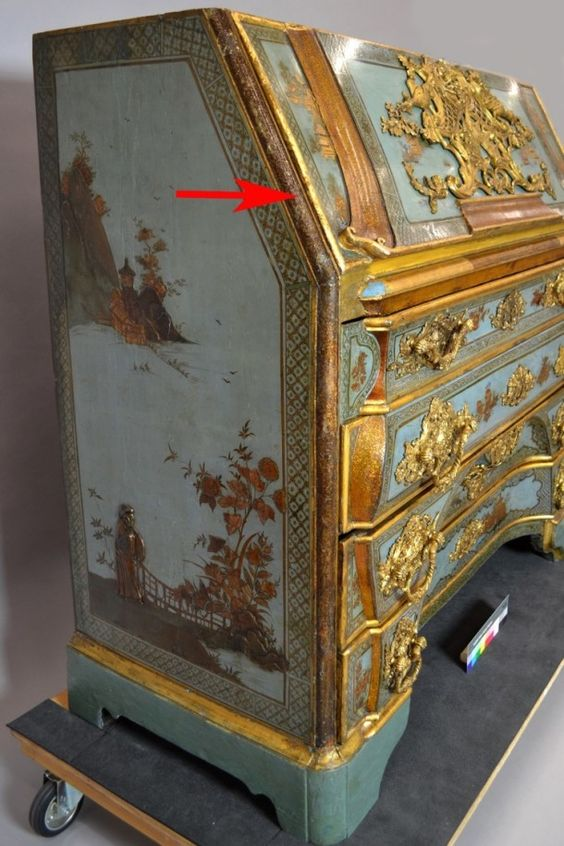 Golden Glitter Recreating The Aventurine Speckles On The Dresden Cabinet Painted Furniture Chinoiserie Hand Painted Furniture