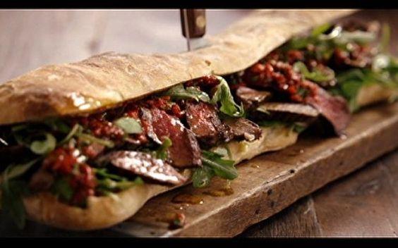 Sanduíche de carne no pão ciabatta - Receitas - Receitas GNT