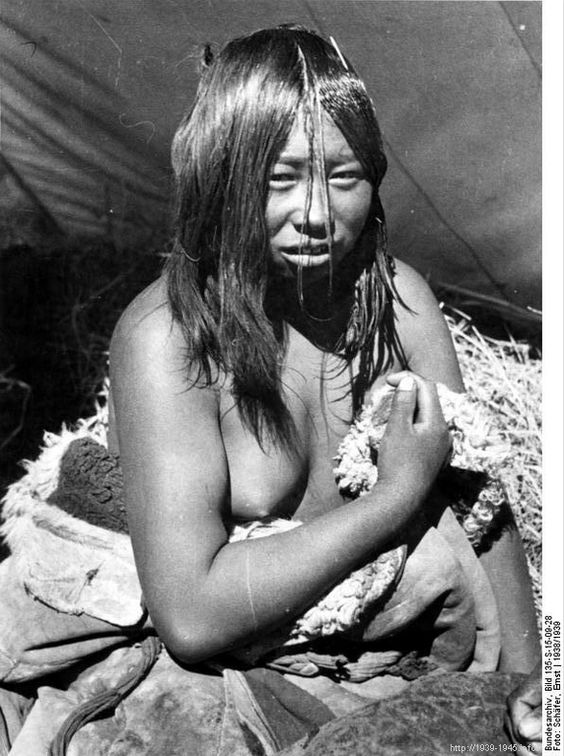 File:Bundesarchiv Bild 135-S-15-09-28, Tibetexpedition, Golok Frau.jpg Title Tibetexpedition, Golok Frau Original caption Lhasa, Ngoloklager, Ngolokfrau Archive description Tibeterin Depicted place Tibetexpedition